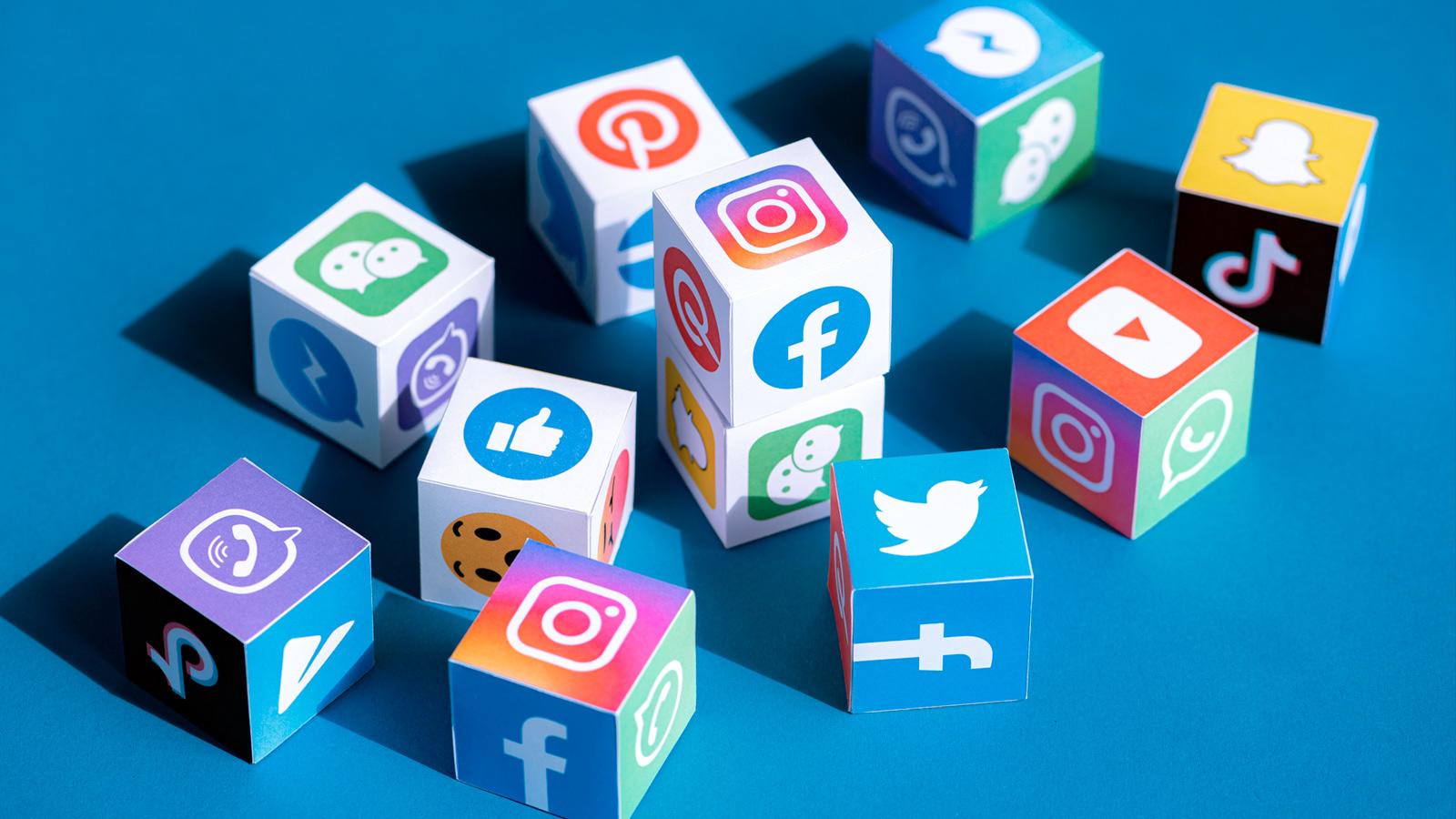 Apptopia şirketi tarafından 2020 yılının en fazla indirilmiş olan uygulamaları açıklandı. Şirket tarafından paylaşılan verilere göre, 2020 yılının en fazla indirilen sosyal medya uygulaması TikTok oldu.  Yıl sonuna yaklaşırken artık 2020… devamını gör •••